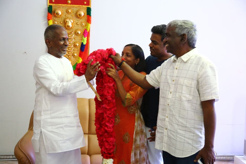 illiyaraja_press_meet_stills_03