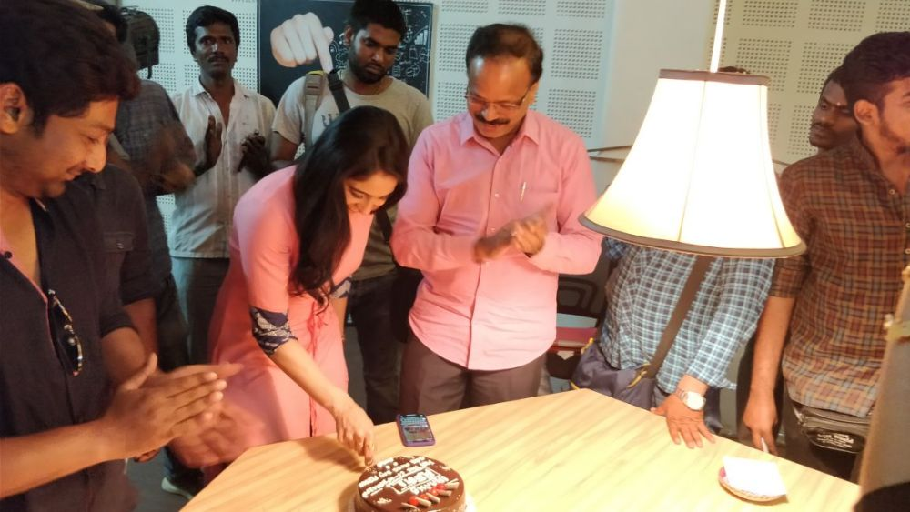 mr chandramouli regina cake cutting 5 Mr Chandramouli Shoot Spot