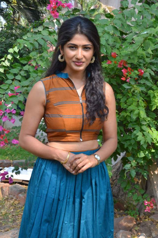 yemali_actress_roshini_hot_Stills_05yemali_actress_roshini_hot_Stills_05