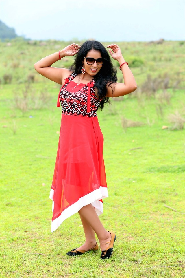 malavika_menon_hot_stills_11