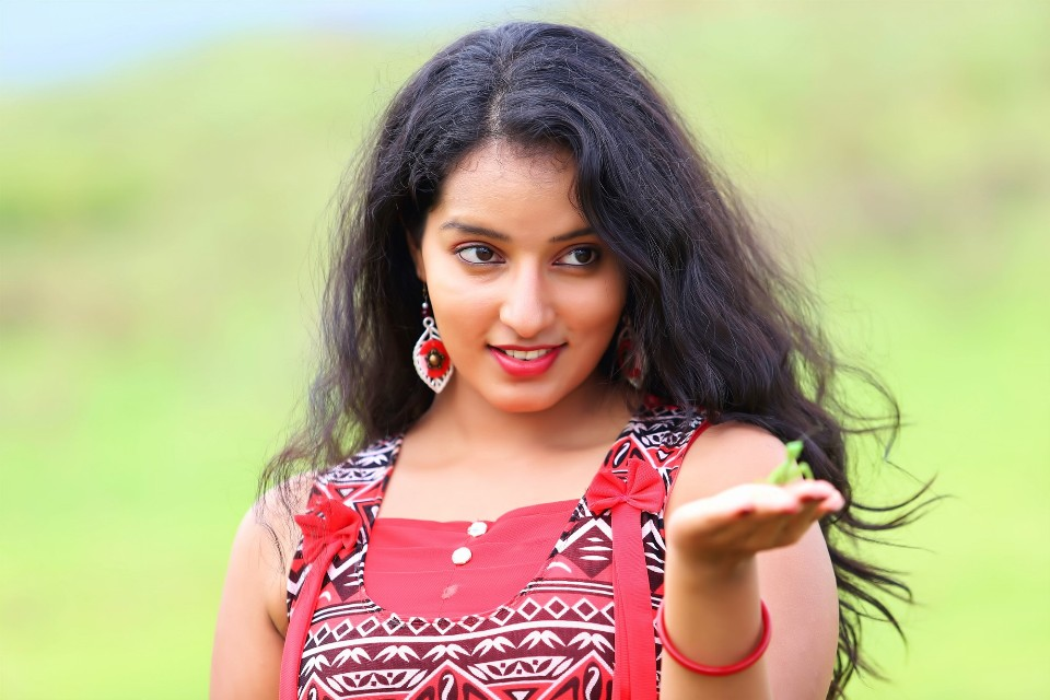 malavika_menon_hot_stills_14