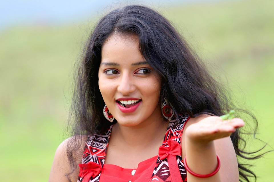 malavika_menon_hot_stills_15