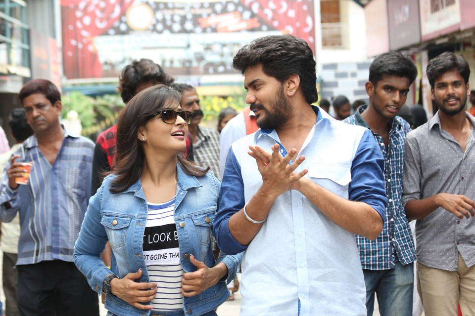 natpuna_ennanu_theriyuma_movie_Stills_03
