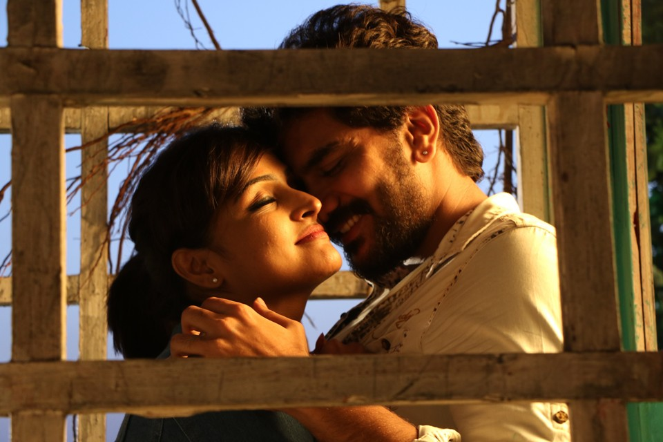natpuna_ennanu_theriyuma_movie_Stills_04