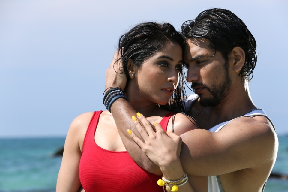 mr_chandramouli_regina_hot_images_2