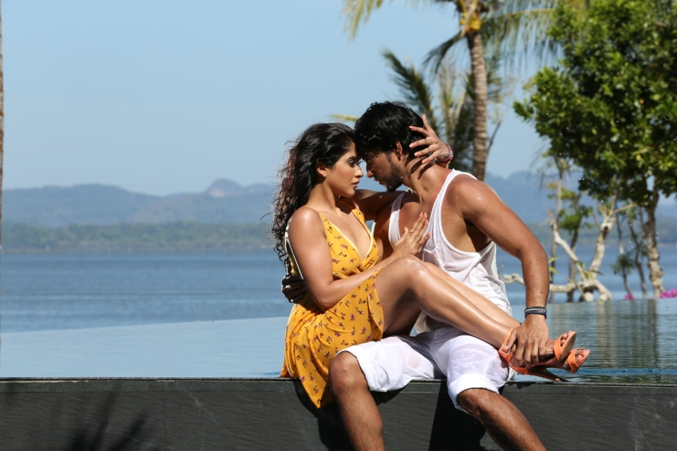 mr_chandramouli_regina_hot_images_5