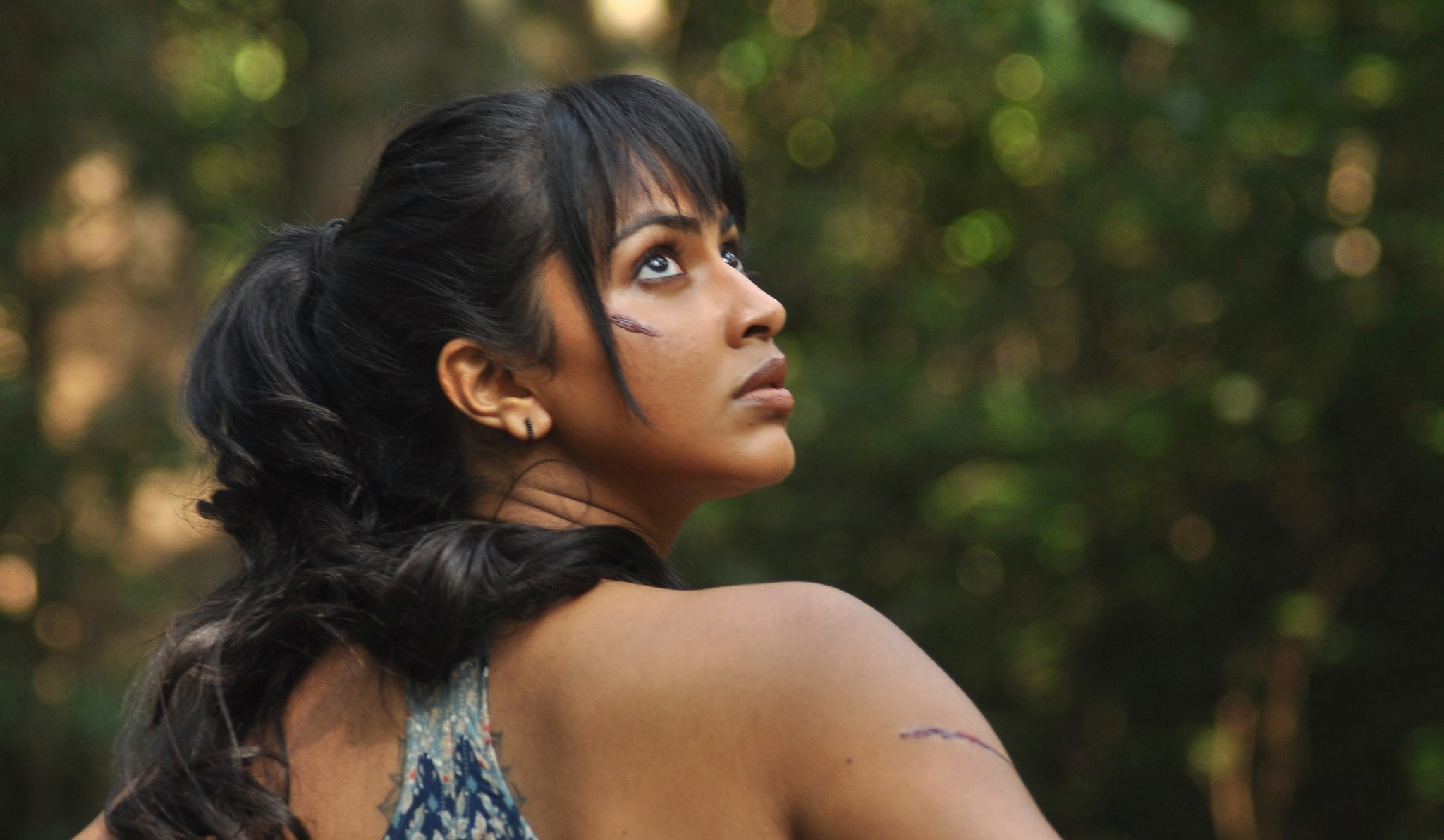 actress-amala-paul-adho-andha-paravai-pola-movie-hd-3