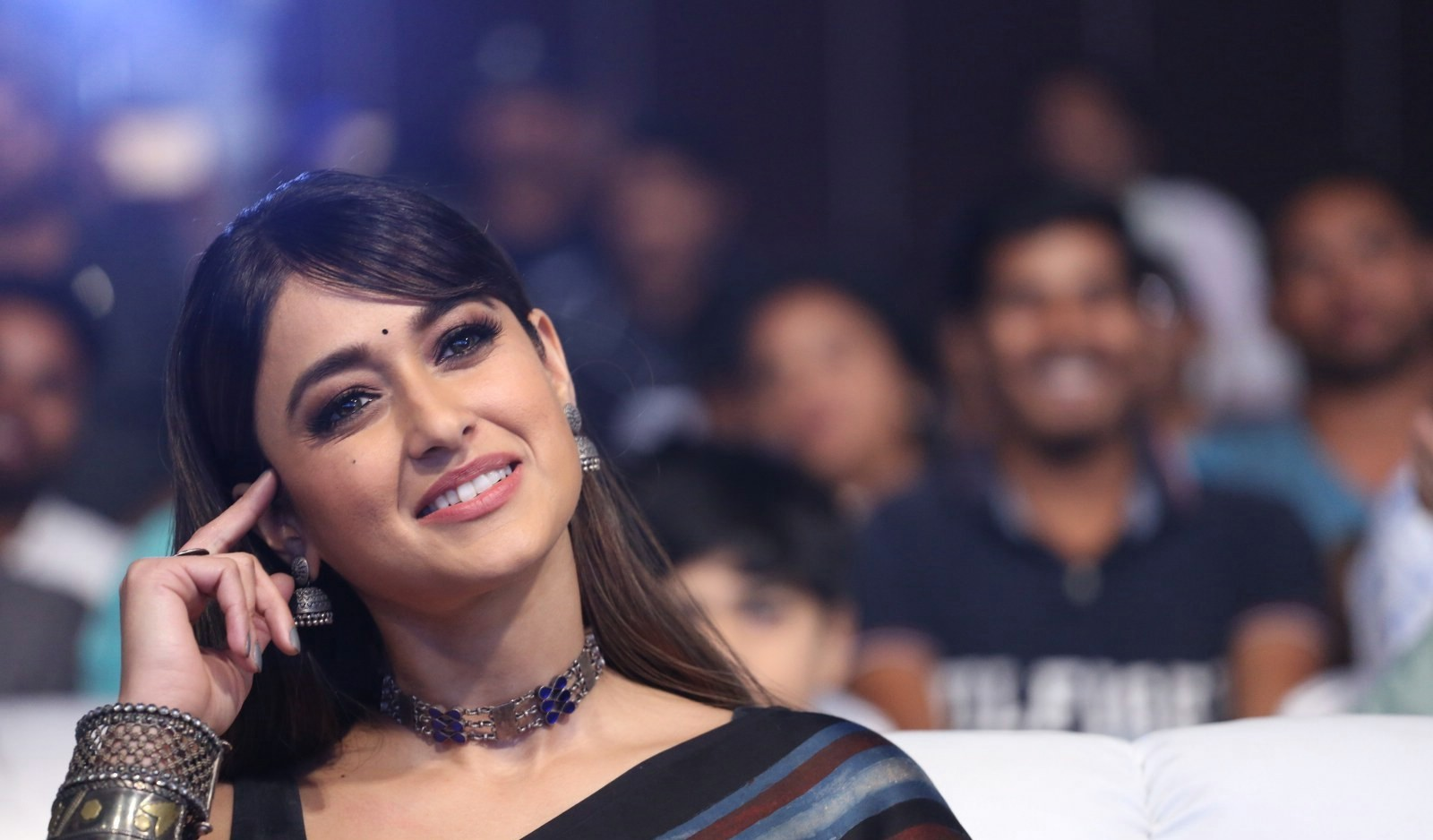 actress-ileana-brown-saree-photos-hd-2actress-ileana-brown-saree-photos-hd-2