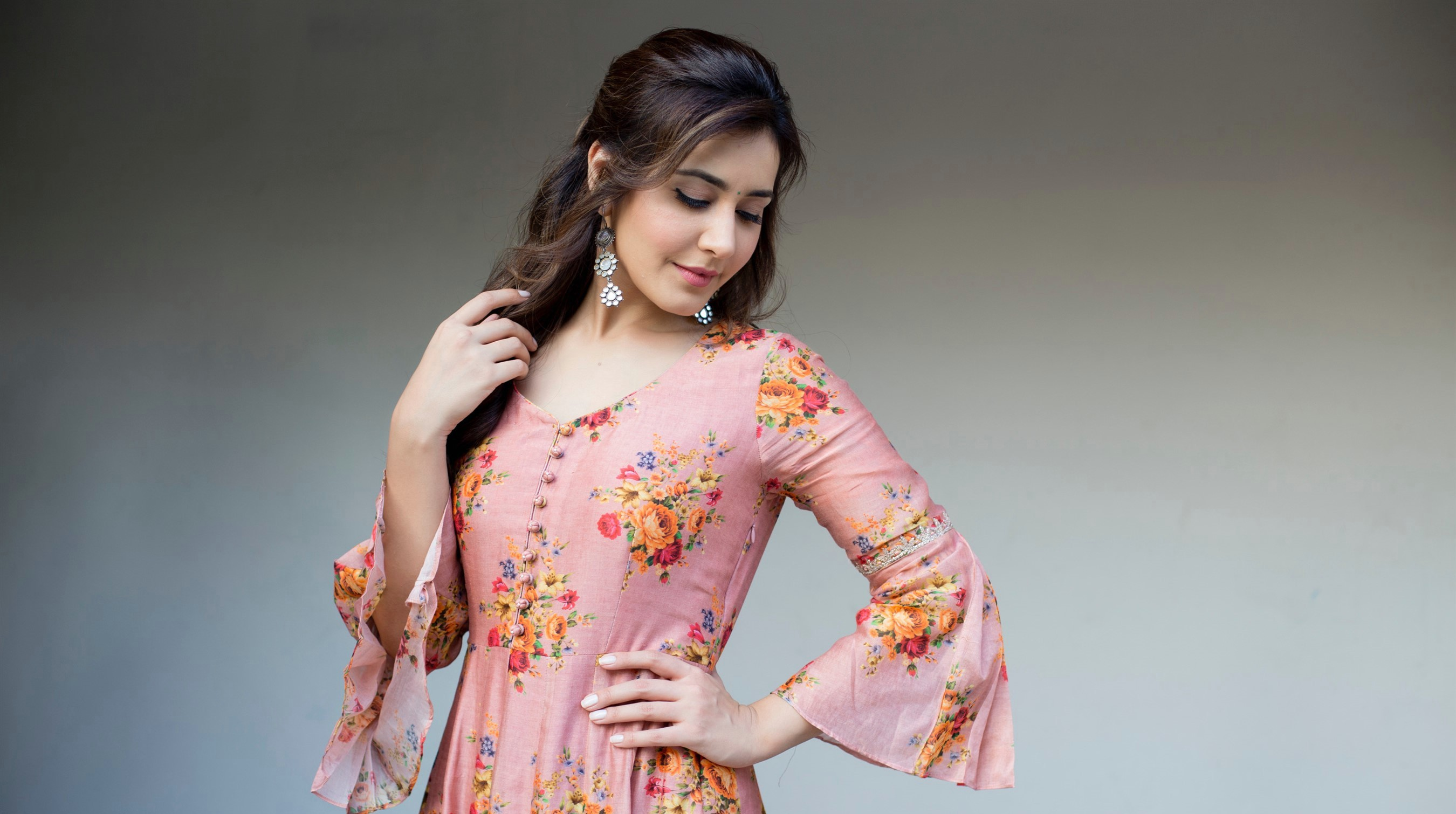 actress-raashi-khanna-new-photoshoot-stills-hd-4