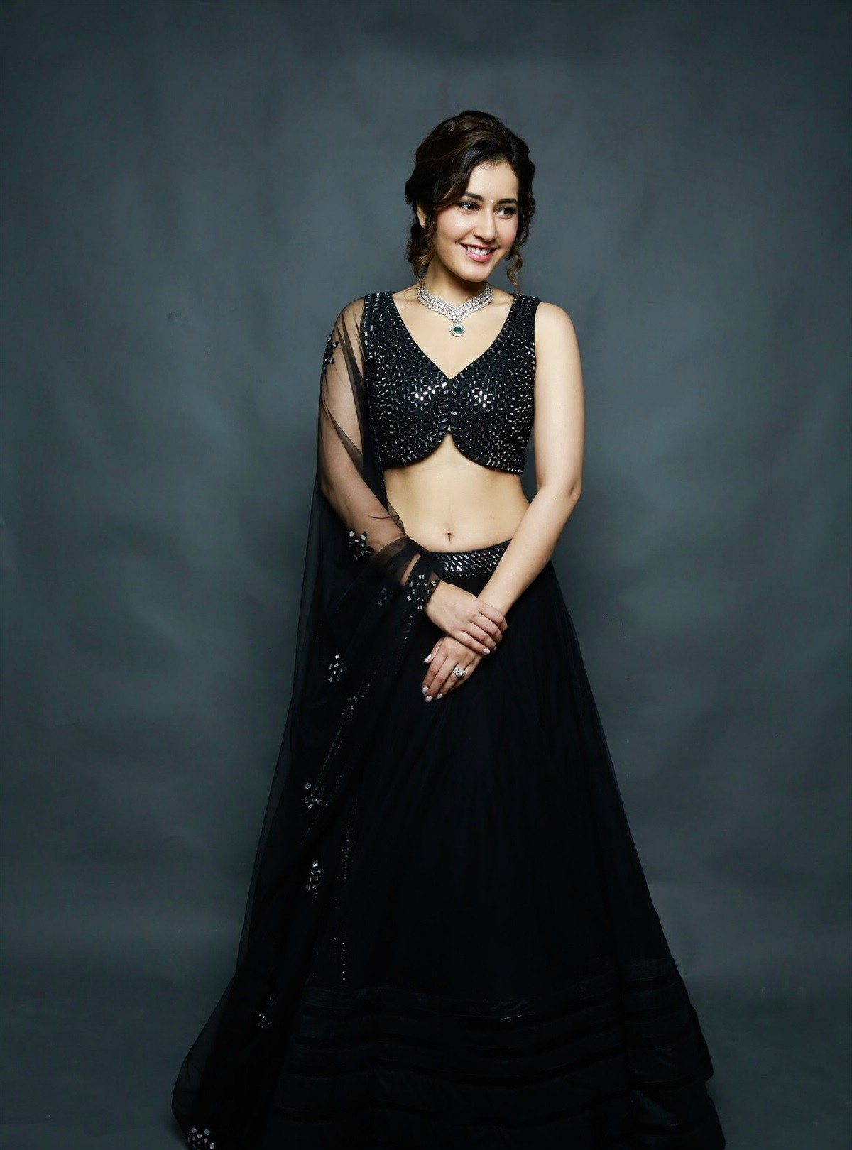 actress-rashi-khanna-latest-photoshoot-pictures-5