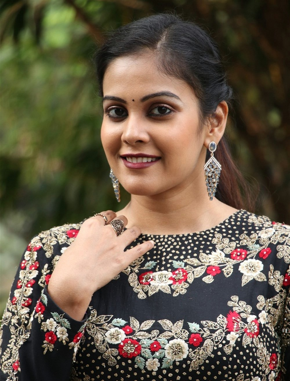 actress-chandini-tamilarasan-beautiful-photos-4