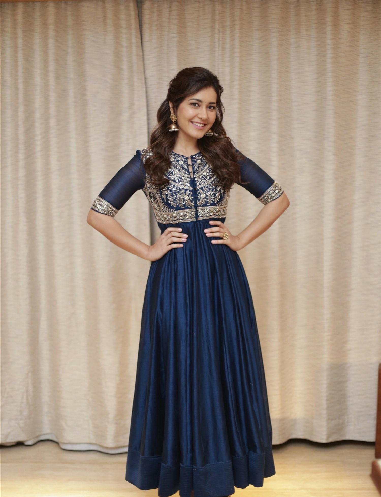 actress-raashi-khanna-photoshoot-4