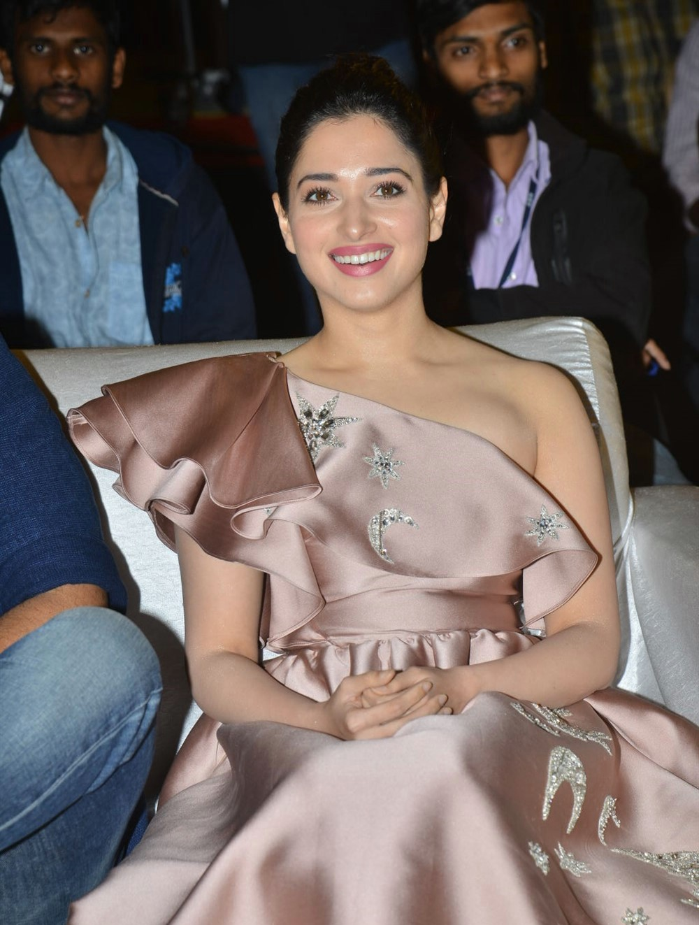 actress-tamanna-photos-latest-stills-4