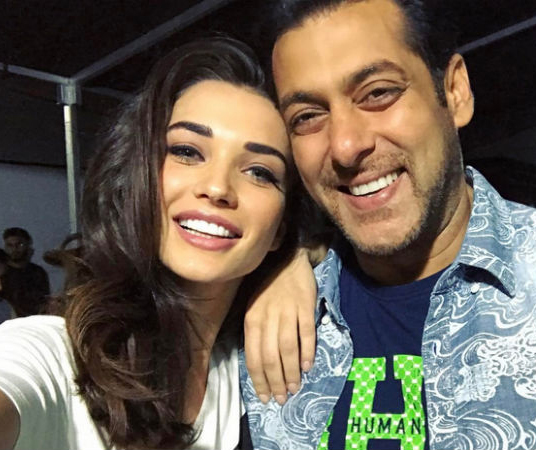 amy jackson salman khan selfie actor actress selfie images