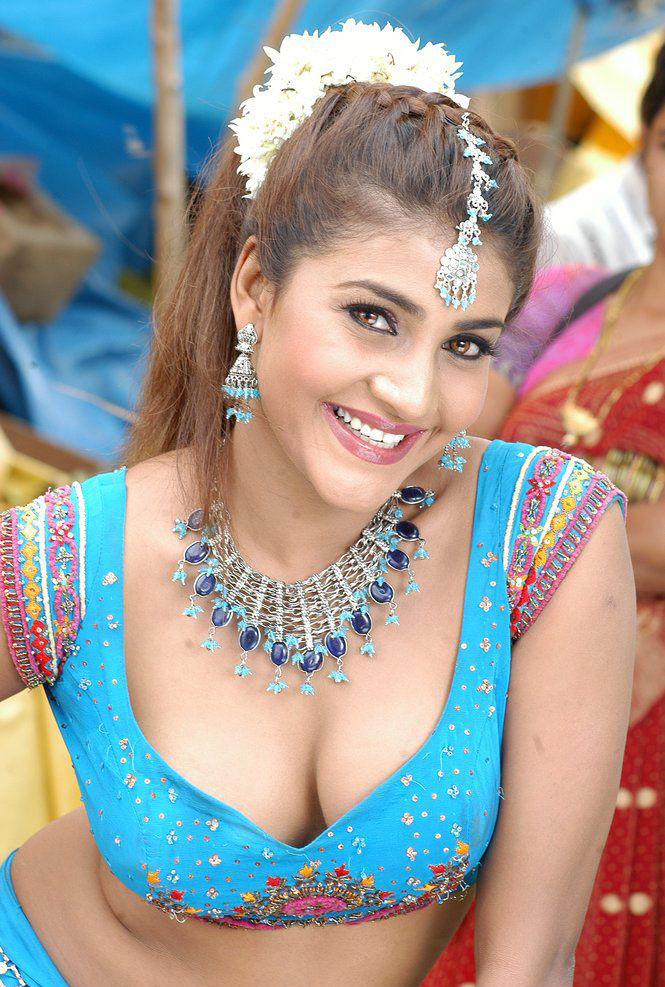 b-grade-movie-actress-stills