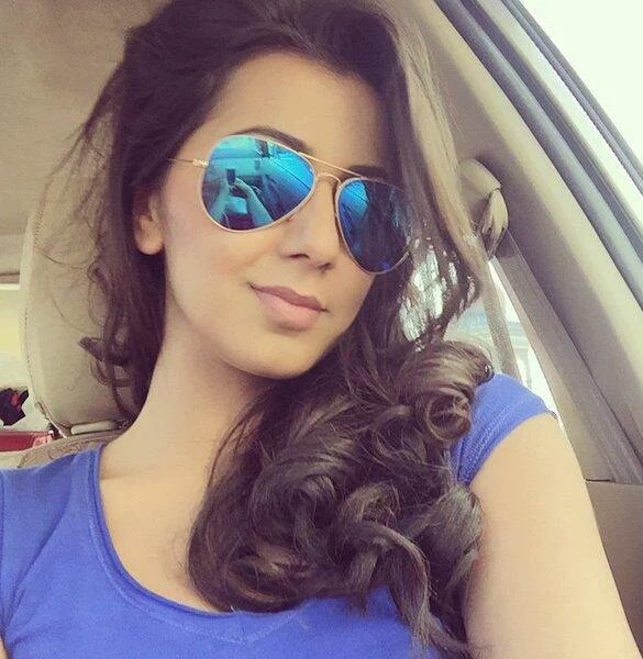 hot nikki galrani new selfie actor actress selfie images