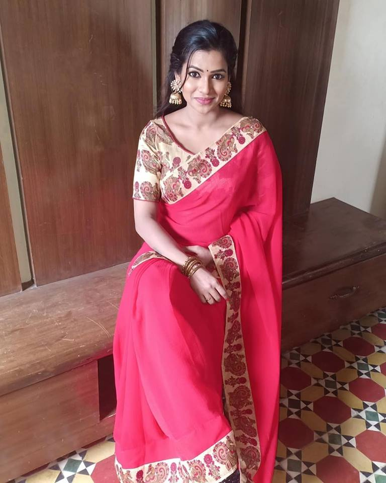 leesha-eclairs-cute-saree-stills