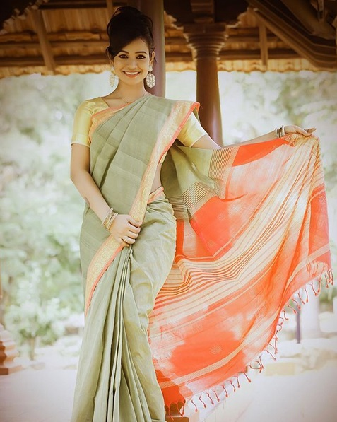 leesha-eclairs-hot-saree-stills