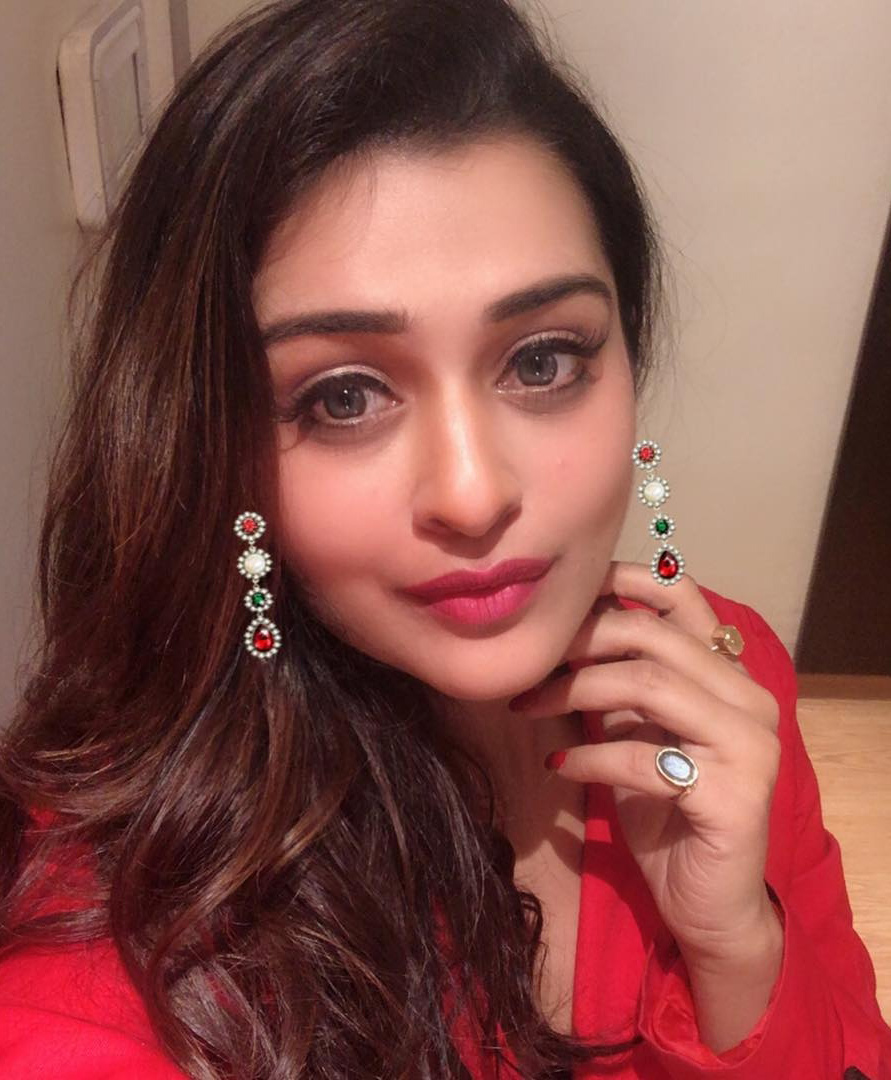payal-rajput-selfie-stills