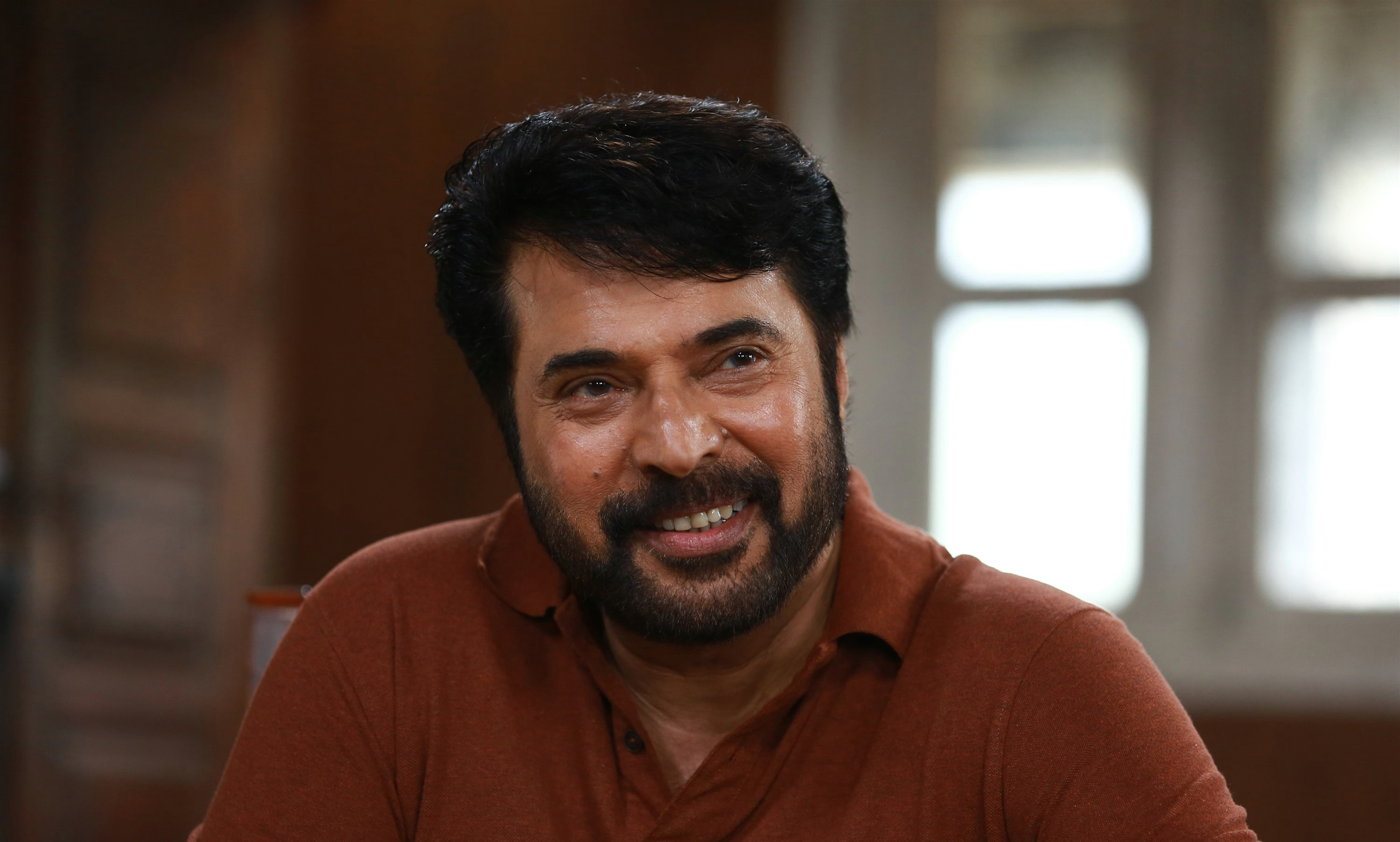 peranbu-movie-stills-hd-mammootty-cute-smiling-stills-2