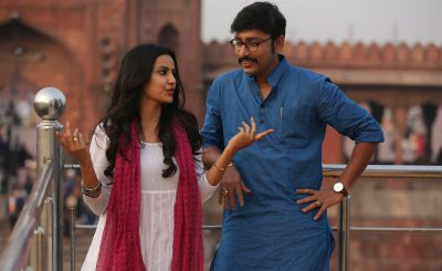 lkg-movie-images-hd-rj-balaji-in-blue-kurtha-delhi-1