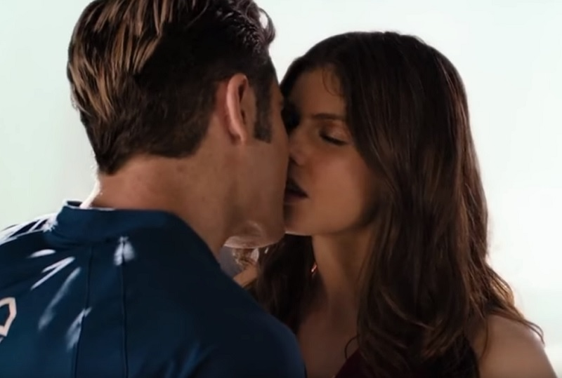 alexandra-daddario-bay-watch-kiss