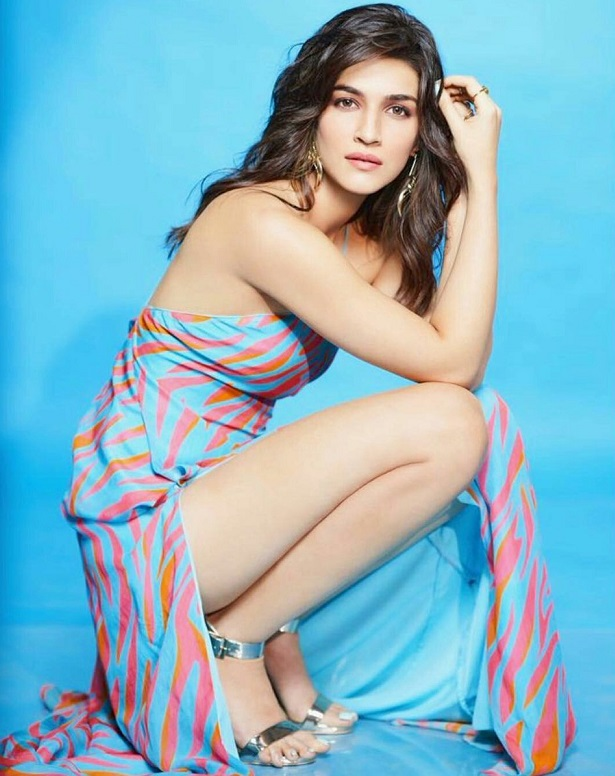 kriti-sanon-hot-photos