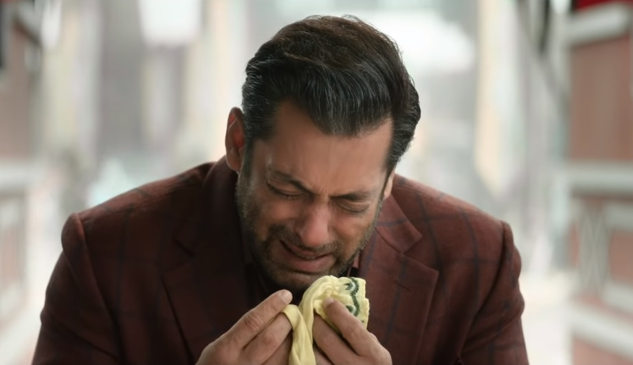 salman-crying-still-bharat-movie