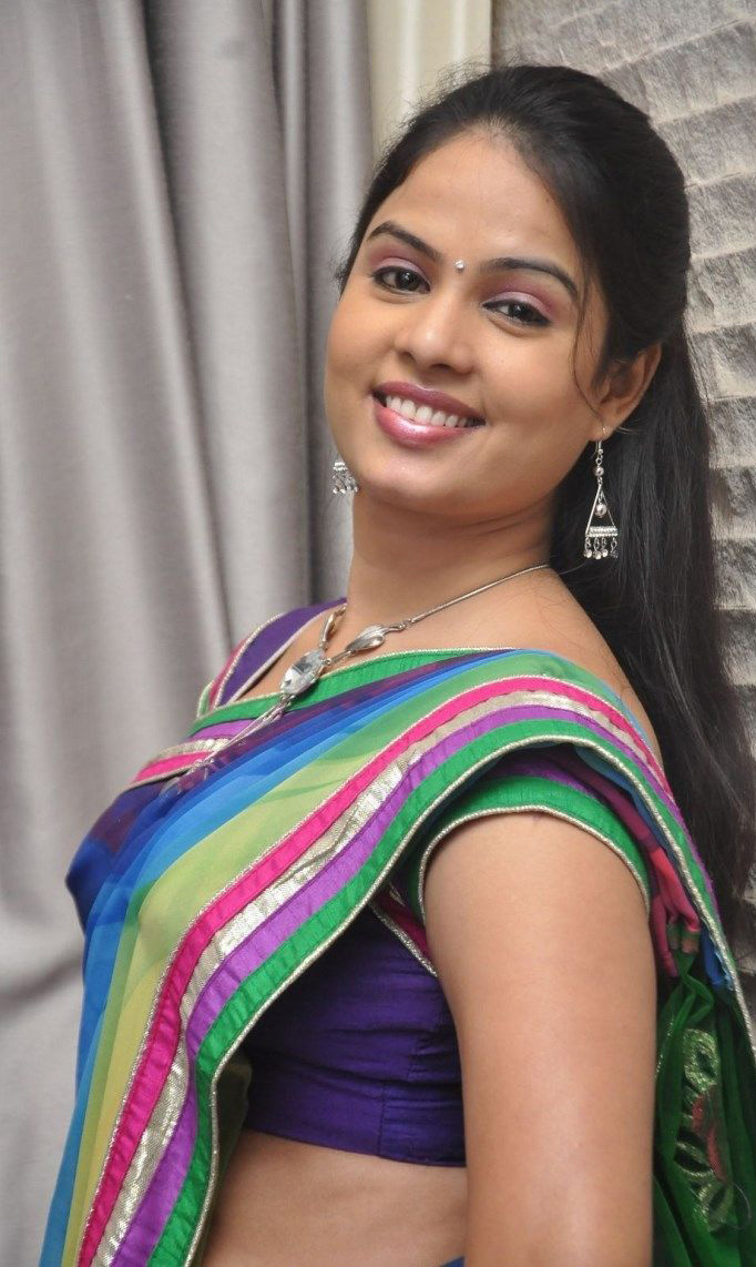 chitralekha-tv-actress-navel-photos