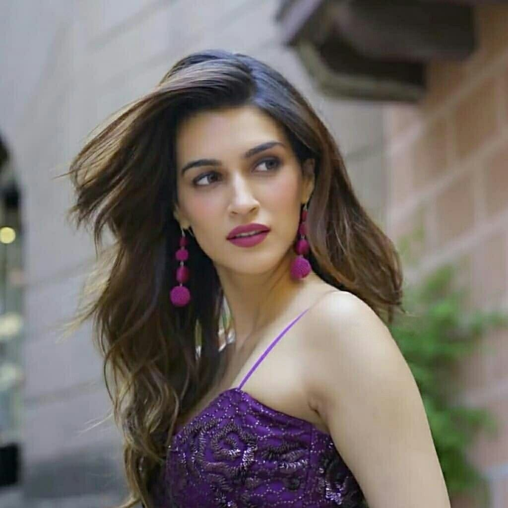 kriti sanon movie stills
