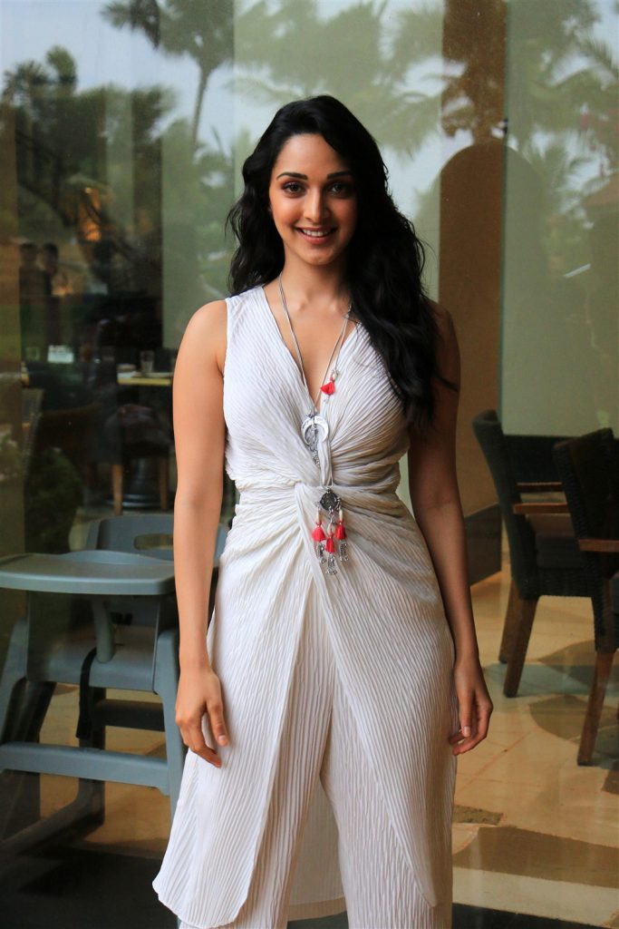 kiara advani hot stills