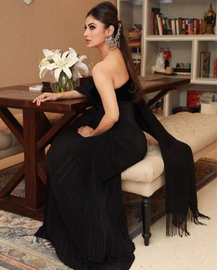 mouni roy hot stills